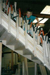 Wim Van Loon als kind, hout, trappen